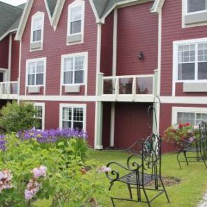 Bell Bay Golf Club Hotels - Lynwood Inn