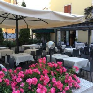 Book Now Vecchia Mori (Mori, Italy). Rooms Available for all budgets. Vecchia Mori offers pet-friendly accommodation in Mori. Guests can enjoy the on-site restaurant. Free private parking is available on site.Each room has a flat-screen TV. Each