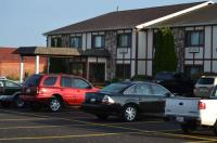 Sky Lodge Inn & Suites - Delavan Image