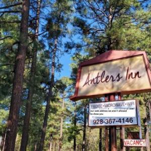 Hotels near Blue Ridge High School Lakeside - Antlers Inn