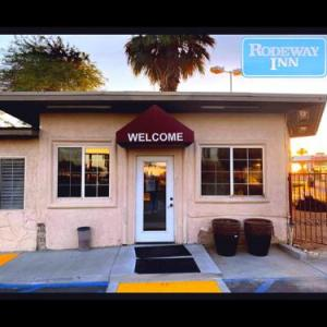 Riverside County Fairgrounds Hotels - Rodeway Inn & Suites Indio