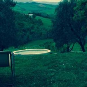 Book Now Villa Sara (Montisi, Italy). Rooms Available for all budgets. Villa Sara is a holiday home with a seasonal outdoor pool situated in Montisi. Guests benefit from terrace and a barbecue. Free private parking is available on site.The kitche