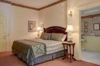Mira Monte Inn & Suites Image