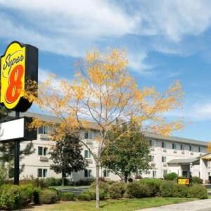 Hotels near Deschutes County Fair and Expo Center - Super 8 by Wyndham Redmond