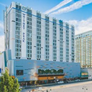 Hotels near McKinley Arts & Culture Center - Whitney Peak Hotel
