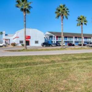 OYO Hotel Rosenberg TX I-69