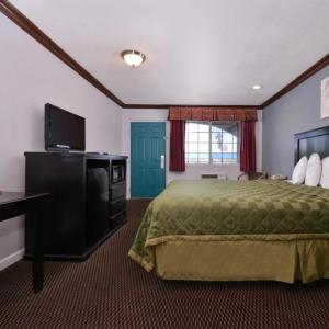 Fender Center for the Performing Arts Hotels - Americas Best Value Inn Corona