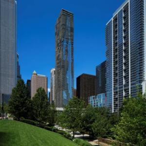 XS Tennis Village Hotels - Radisson Blu Aqua Hotel Chicago