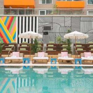Hotels near Glasslands Gallery - Mccarren Hotel And Pool