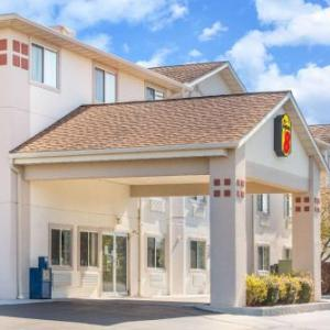 Super 8 by Wyndham West Middlesex/Sharon Area