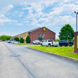 Lucas County Fairgrounds Hotels - Super 8 By Wyndham Maumee Perrysburg Toledo Area