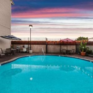 Hotels near Contra Costa Fairgrounds - Days Inn And Suites Antioch