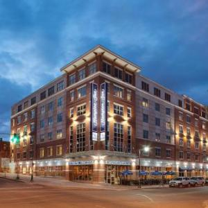 Big Easy Portland Hotels - Hampton Inn Portland/Downtown-Waterfront