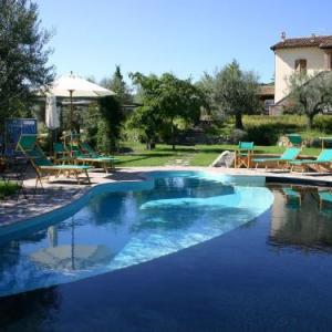 Book Now Agriturismo B&B Vallegiorgio (San Lorenzo Nuovo, Italy). Rooms Available for all budgets. Located in San Lorenzo Nuovo Agriturismo B&B Vallegiorgio offers an outdoor swimming pool horse riding on site and garden. The banks of Bolsena Lake are only a 5-minute dr