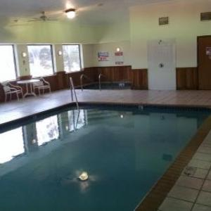 Reverb Lounge Hotels - Super 8 Omaha Eppley Airport/Carter Lake