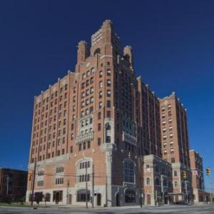 Hotels near Cleveland Museum of Art - Doubletree By Hilton The Tudor Arms Hotel