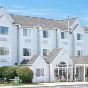 Hotels near Splash Lagoon - Microtel Inn & Suites By Wyndham Erie