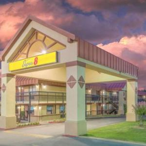 Hotels near Mabee Center - Super 8 By Wyndham Tulsa