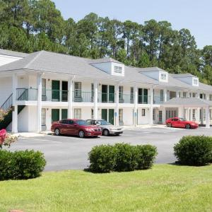 Super 8 By Wyndham Statesboro