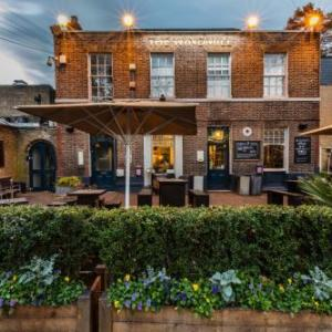 Hotels near Infernos Clapham - The Windmill On The Common
