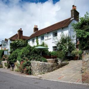 Hotels near Goodwood Racecourse - The Royal Oak Inn