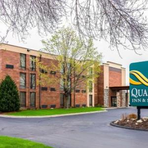 Hotels near Bethel University - Quality Inn and Suites - Arden Hills