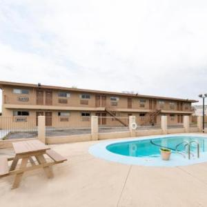 OYO Hotel San Antonio Lackland Air Force Base North