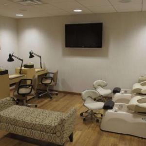 Tilles Center Hotels - Viana Hotel & Spa BW Premier Collection