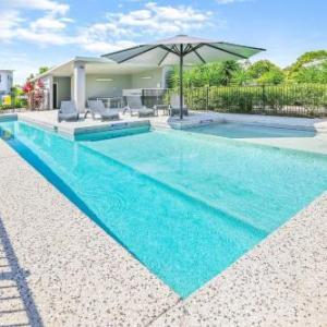 Hotels near Sunshine Coast Stadium - Direct Hotels - Breeze on Brightwater