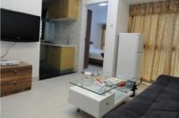 She & He Apartment - Caiwuwei Yuhedi Branch