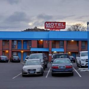 Bend Senior High School Hotels - Motel West