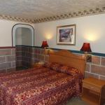 Holiday Lodge Motel Antioch