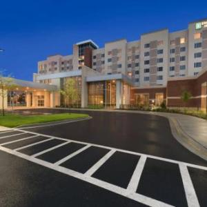 Embassy Suites Chicago-naperville
