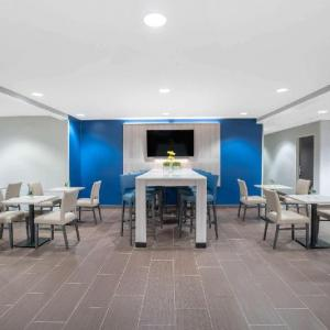 Hotels near Golf Club of Tennessee - Microtel Inn & Suites By Wyndham Nashville
