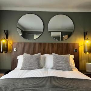 Tavistock Wharf Hotels - Rockmount