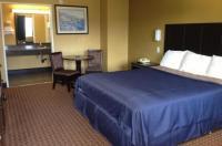 Del Amo Inn Image