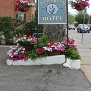 Veterans Memorial Park Vineyard Haven Hotels - Town & Beach Motel