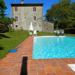 Book Now Holiday home Paola (Pescaglia, Italy). Rooms Available for all budgets. Casa Paola is a beautiful. rustic. original Tuscan house. located in the nature reserve of Alpi Apuane. The quietly located house is spread over two floors and the d