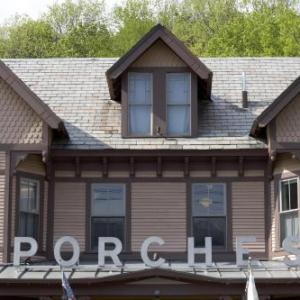 MASS MoCA Hotels - The Porches Inn At Mass Moca