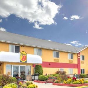 Hotels near Thirsty Cowboy - Super 8 by Wyndham Medina