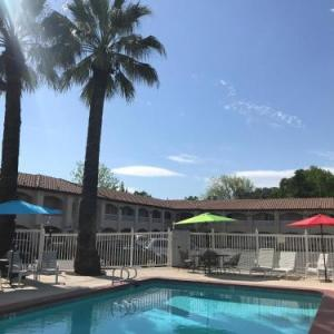Hotels near Shasta College - Travelodge By Wyndham Redding Ca