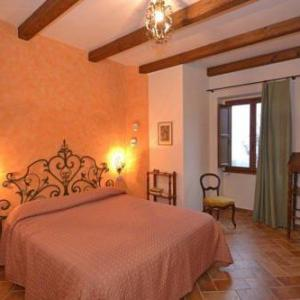 Book Now Apartment in Dicomano II (Dicomano, Italy). Rooms Available for all budgets. Situated in Dicomano this apartment features a garden with a seasonal outdoor pool. Guests benefit from balcony.A TV and DVD player is provided. Other facilities at Apartment