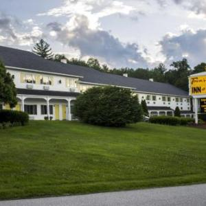 Santa S Village Jefferson Hotels Town And Country Motor Inn