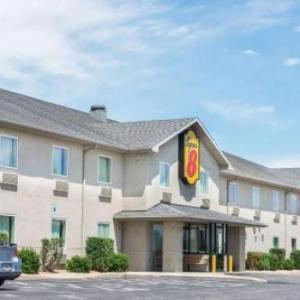 Hotels near Hagerstown Speedway - Super 8 by Wyndham Hagerstown/Halfway Area