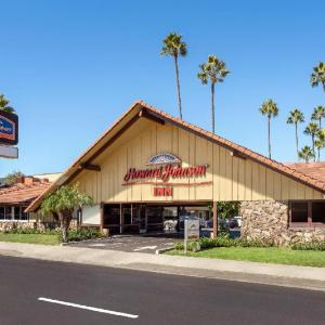 Hotels near Viejas Arena - Howard Johnson Inn - San Diego