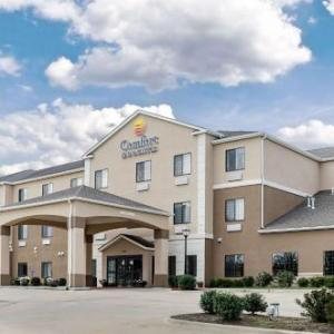 Clinton State Park Hotels - Comfort Inn & Suites Lawrence