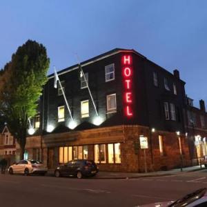 Newport Centre Hotels - Victoria Hotel