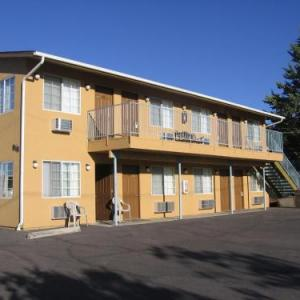Heritage House Motel