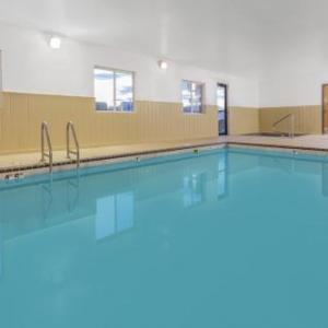 Hotels near Grand Falls Casino Resort - Super 8 Sioux Falls