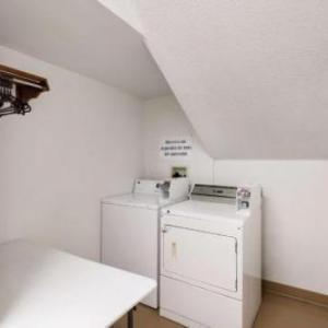 Motel 6-Olathe KS